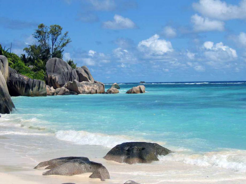 Islandclan- stranded on a tropical island in the middle of nowhere Anse-source-d-argent-beach