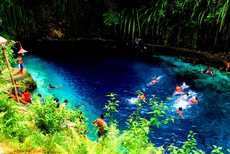 21 Of The World 39 S Most Amazing Natural Swimming Pools Tropical Destinations