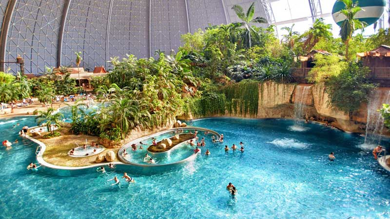 Tropical Islands pool